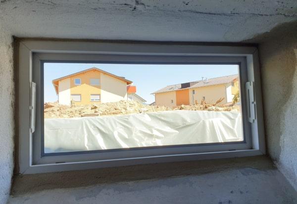 Kellerfenster einbauen Fenster verspachteln